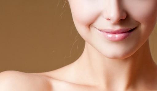 毛穴シミをカバーして潤ツヤ肌が作れるおすすめのレブロン下地のサムネイル画像