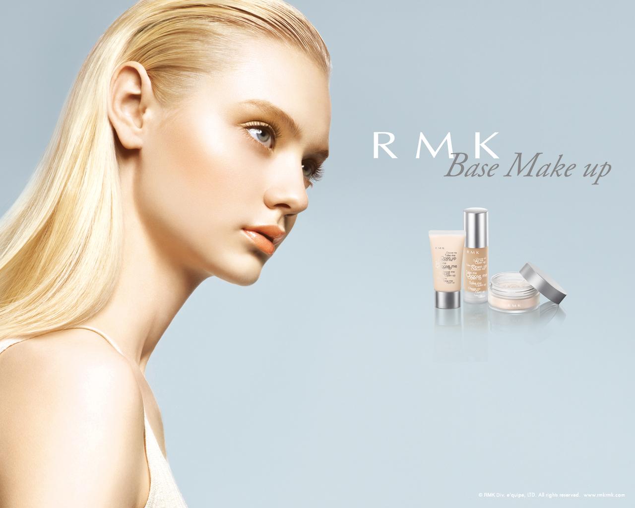 透明感あふれる肌づくりが完成!RMKのベースメイクをご紹介!のサムネイル画像