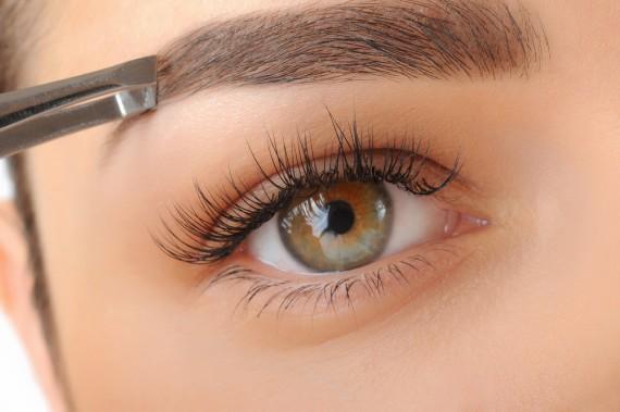 【眉毛】で女子力アップ!メイクの命【眉毛】の知識をご紹介。のサムネイル画像