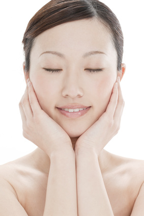人気の美白化粧品♪シミやくすみに効く美白化粧品を発表します!!のサムネイル画像