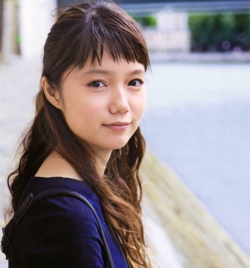 愛され顔になりたい女子必見、宮崎あおいさん風ものまねメイクのサムネイル画像
