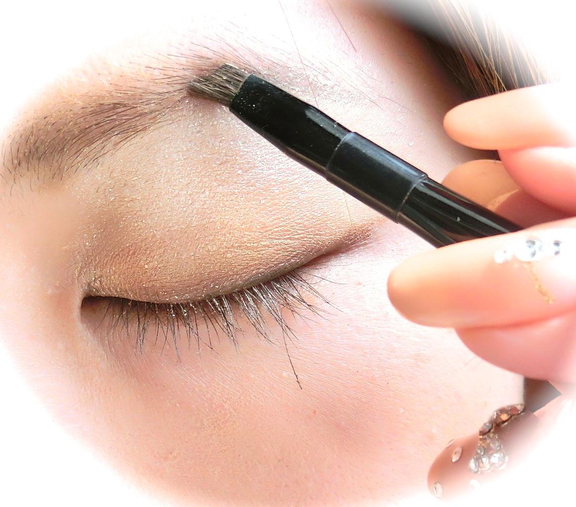 今さら聞けない!きれいな眉毛を作る、アイブロウの正しい使い方のサムネイル画像