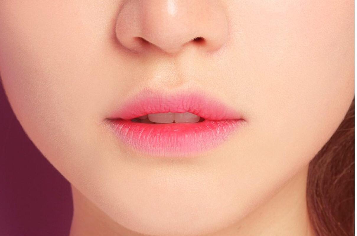 さらばカサカサ唇!リップケア商品のおすすめを紹介します!!のサムネイル画像