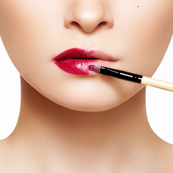 口紅の色の選び方は肌の色によって違うんです!知ってました?のサムネイル画像