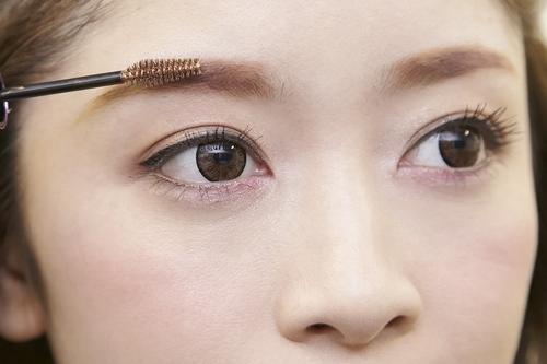 眉マスカラの上手な使い方とは??いろんな眉マスカラを大紹介!!のサムネイル画像