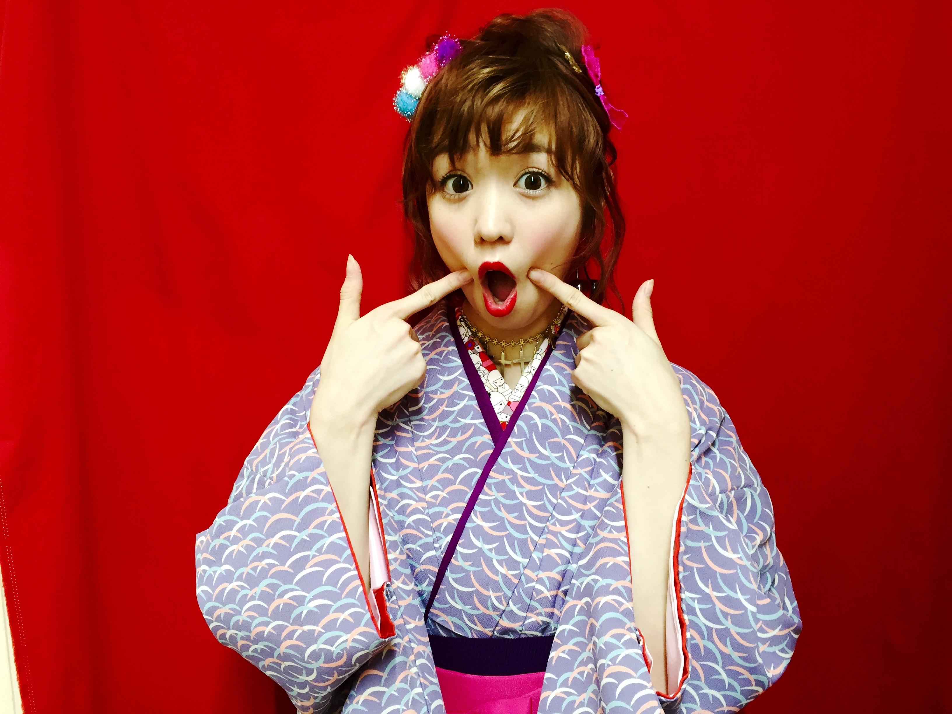 袴に合わせたい和装に合うメイクとは?セルフで簡単華やかなメイク術のサムネイル画像