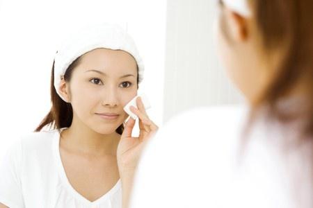 オールインワン化粧品は化粧水・ゲル・ジェルどのタイプを選ぶべき?のサムネイル画像