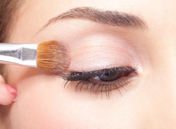 最新のアットコスメ人気アイシャドウ♪綺麗な目元で可愛さアップ♡のサムネイル画像