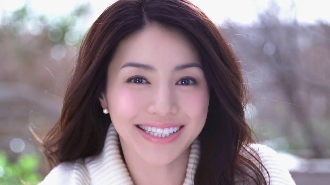 ナチュラルビューティ 井川遥さん風メイクで艶っぽい大人女性にのサムネイル画像