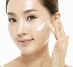 白い肌になりたい!美白クリームのおすすめ商品を紹介します!のサムネイル画像