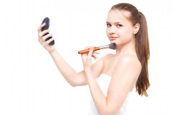 お化粧の初心者の方へ 簡単なナチュラルメイクのやり方教えます!のサムネイル画像
