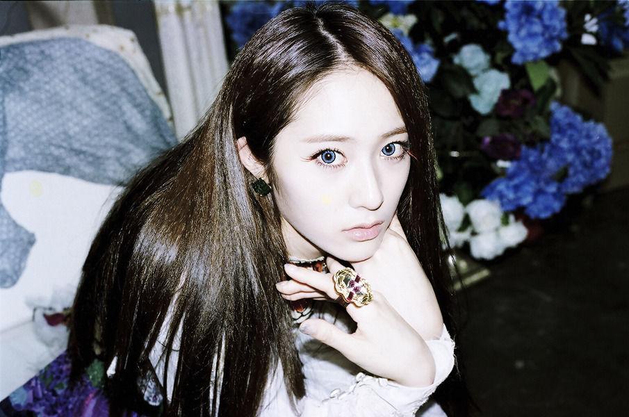 韓国アイドルナンバーワンクールビューティなクリスタルメイクのサムネイル画像