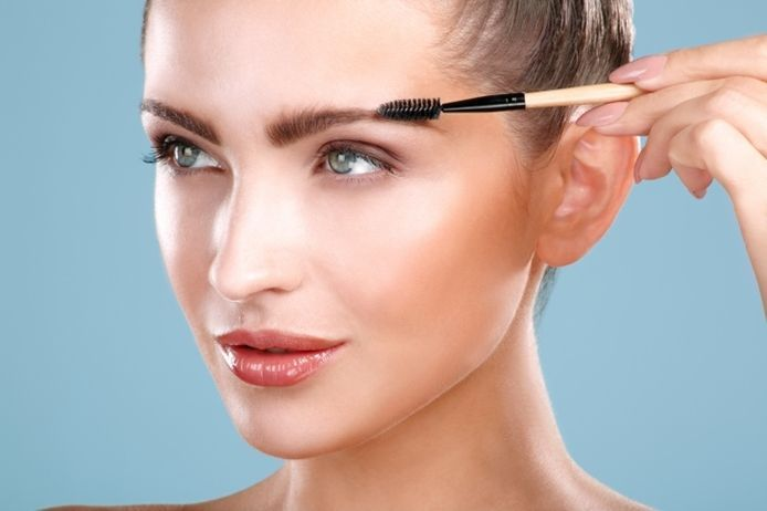 【眉毛も健康的に】薄い眉毛を増やす!眉毛が薄いのには原因があったのサムネイル画像