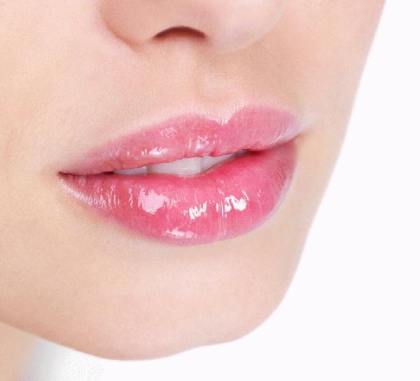 ガサガサ唇とオサラバ!リップバームのおすすめを紹介します!のサムネイル画像