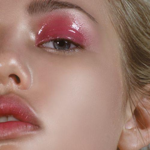 みんなの大好きなピンク、今年の夏は積極的にメイクにも取り入れて!のサムネイル画像