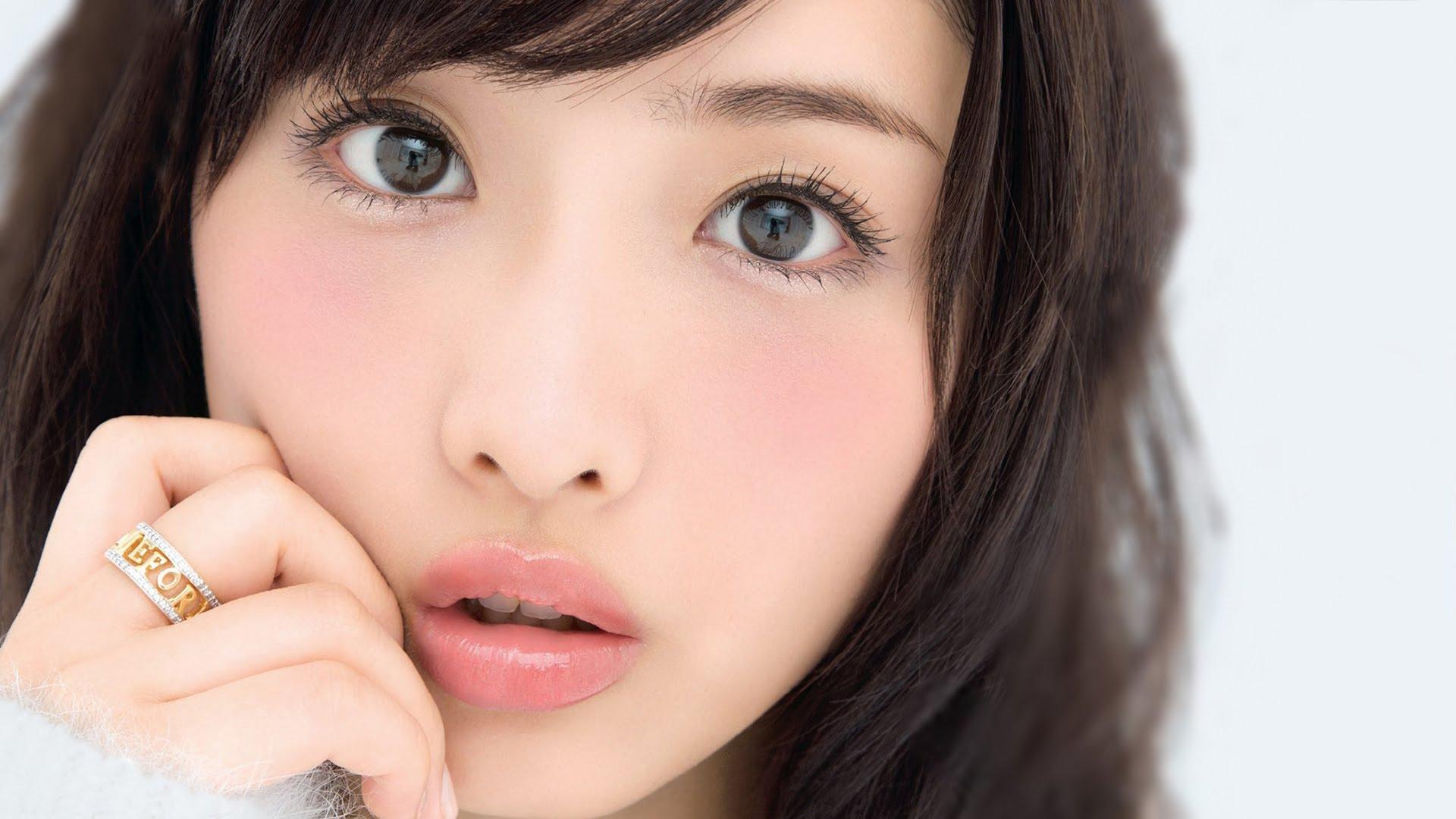 目指すは石原さとみさん♡愛されぷっくリップを作る口紅の使い方のサムネイル画像