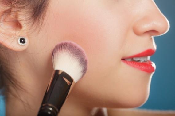 【ブランド別】春のおすすめチークであなたも血色美人になろう!のサムネイル画像