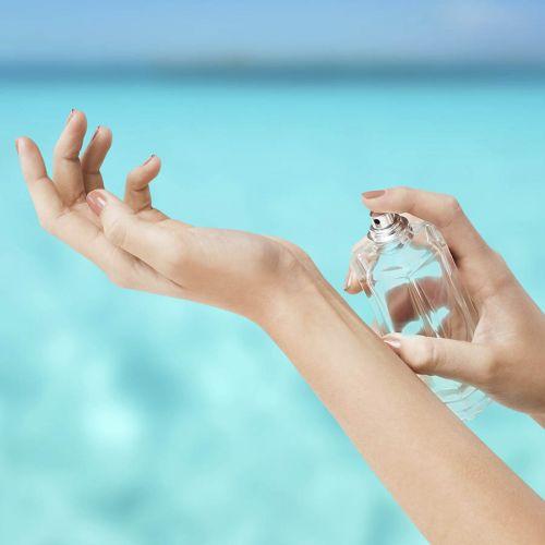 夏に備えて香りも変えよう!2016年夏、おすすめ香水一挙大公開のサムネイル画像