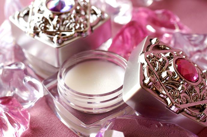 身近なもので作れて保湿にも使える!簡単!練り香水の作り方のサムネイル画像