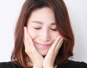 洗顔&クレンジング、化粧水&乳液の基礎化粧品を使う効果的な順番!のサムネイル画像