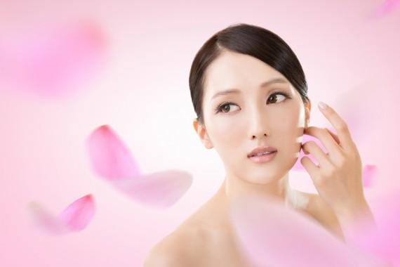 透明感のある白美肌にチェンジ♡口コミで人気の美白美容液♪のサムネイル画像