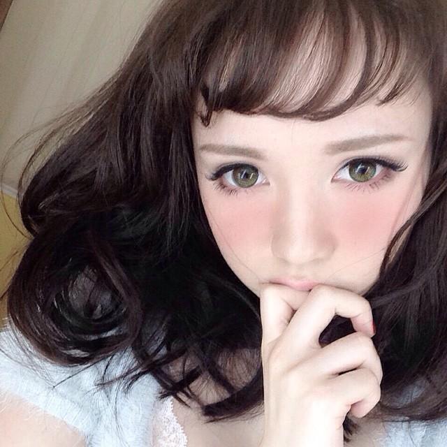 【14mmカラコンで愛され顔に】可愛い女子の定番カラコン教えます!のサムネイル画像