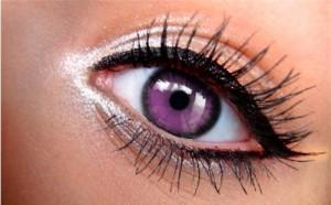 紫・パープル・バイオレットのカラコンは黒髪に良く合いますよねのサムネイル画像