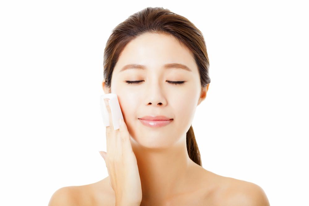 収れん化粧水ってどうやって使う?使い方とおすすめを紹介しますのサムネイル画像