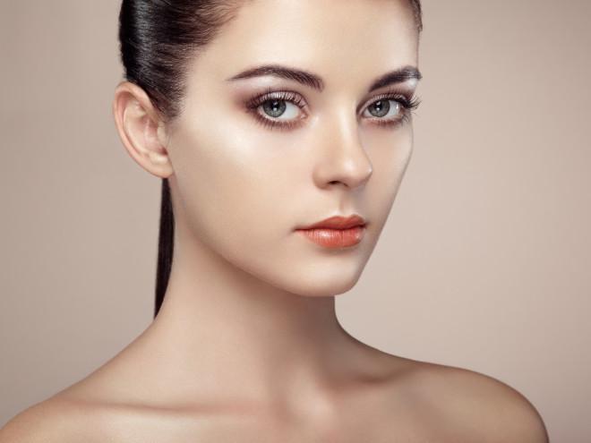 上品な艶肌になりたい方必見!「艶肌になれるメイクアイテム」特集のサムネイル画像