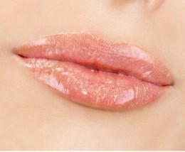 貴方の唇を輝かせるカラーは何色?持っておきたいグロスはこれ!のサムネイル画像